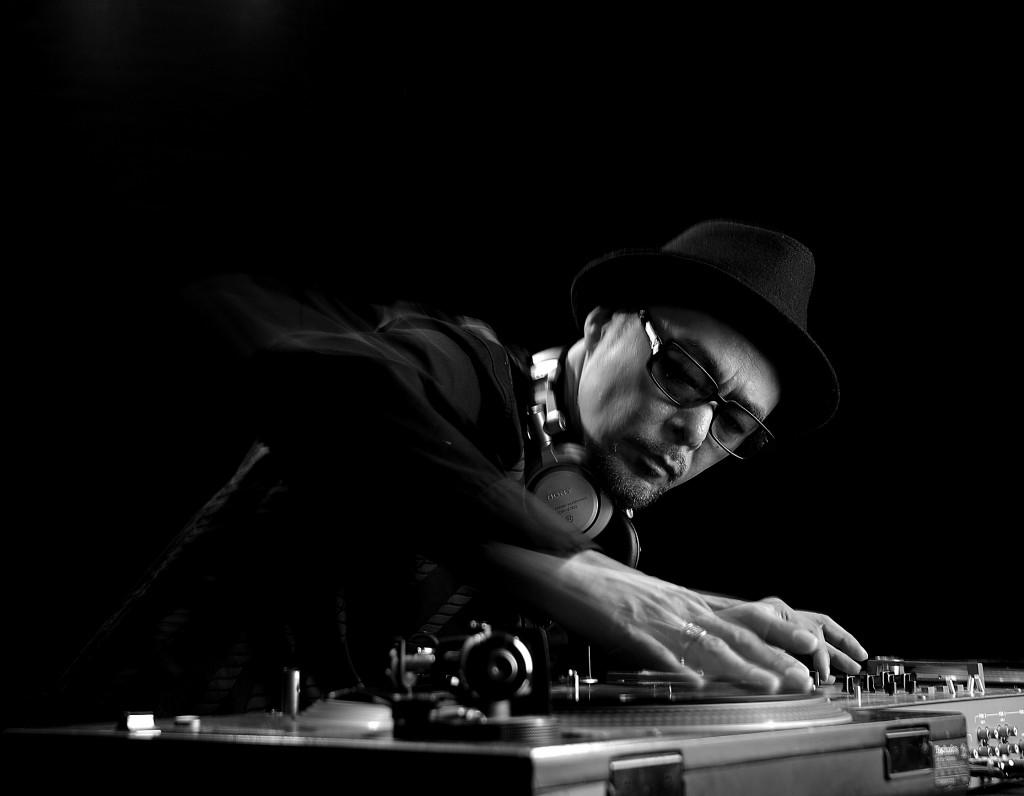 DJ_KRUSH